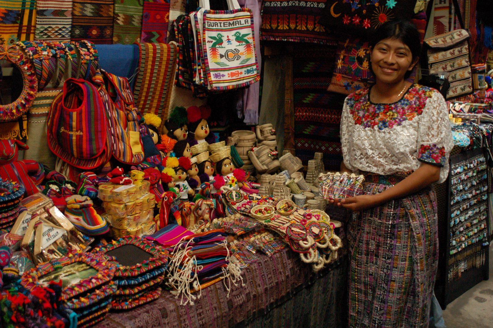 Abren las puertas para artesanos en Guatemala