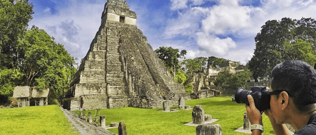 Visita y recorre todos los rincones de Tikal.