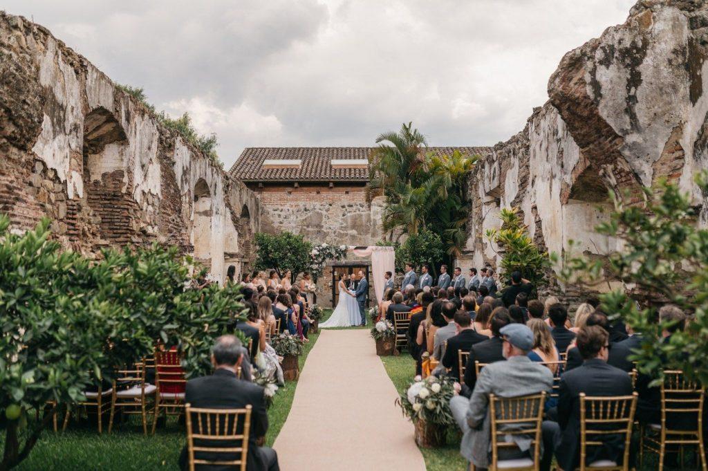 boda en ruinas
