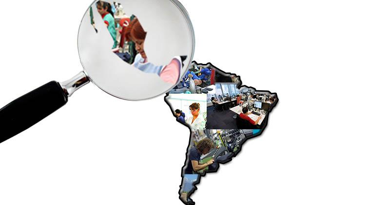 figura del continente latinoamericano con personas trabajando