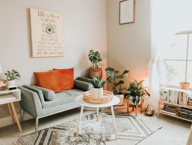 Aprende cómo organizar los muebles de la sala