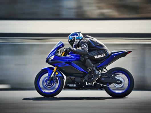 Moto Yamaha YZF R3