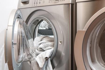 lavadora con toallas