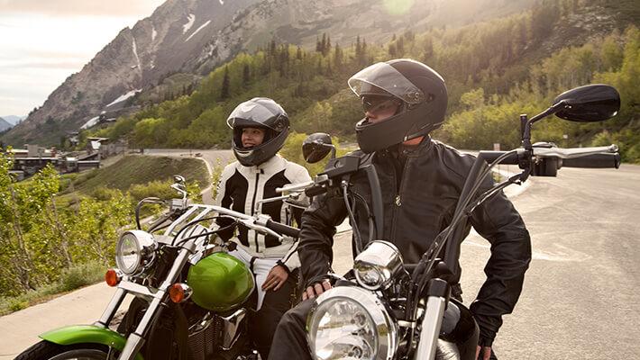 Hombres en motos