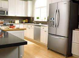 Cocina con refrigeradora
