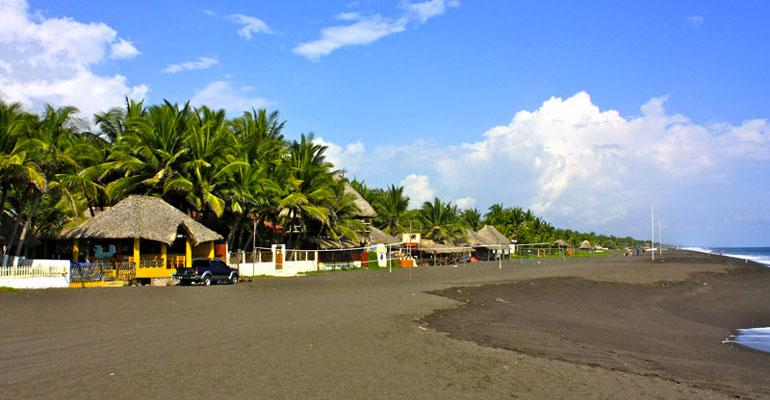 Vista de la Playa Monterrico Guatemala